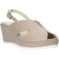 Παπούτσια Γυναίκα Σανδάλια / Πέδιλα Esther Collezioni ZB 115 Μπεζ