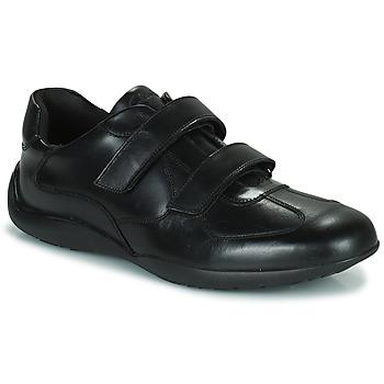 Παπούτσια Άνδρας Derby Clarks KONRAD EASE Black