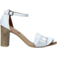 Παπούτσια Γυναίκα Σανδάλια / Πέδιλα Bueno Shoes 21WN4300 λευκό