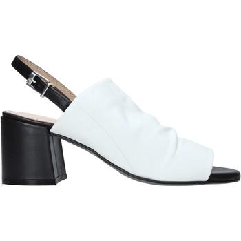 Παπούτσια Γυναίκα Σανδάλια / Πέδιλα Carmens Padova 45416 λευκό