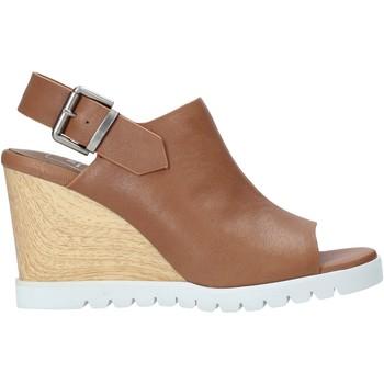 Παπούτσια Γυναίκα Σανδάλια / Πέδιλα Manufacture D'essai M3 καφέ
