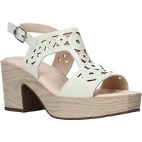 Παπούτσια Γυναίκα Σανδάλια / Πέδιλα CallagHan 28701 Μπεζ