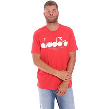 Υφασμάτινα Άνδρας T-shirt με κοντά μανίκια Diadora 502176633 το κόκκινο