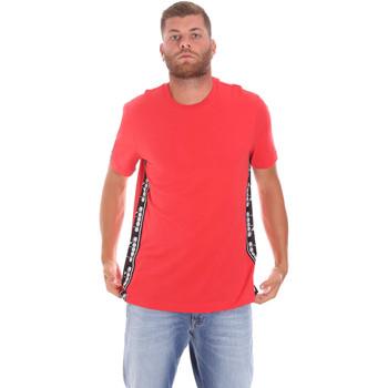 Υφασμάτινα Άνδρας T-shirt με κοντά μανίκια Diadora 502176631 το κόκκινο