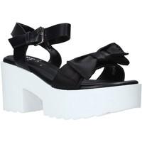 Παπούτσια Γυναίκα Σανδάλια / Πέδιλα Onyx S20-SOX764 Μαύρος