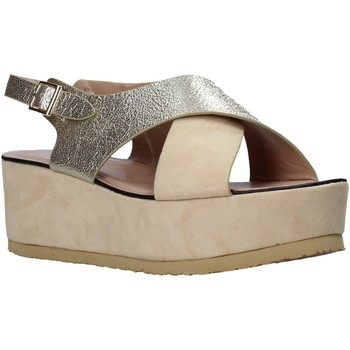 Παπούτσια Γυναίκα Σανδάλια / Πέδιλα Onyx S20-SOX745 Μπεζ