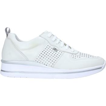Παπούτσια Γυναίκα Χαμηλά Sneakers Valleverde 36391 λευκό