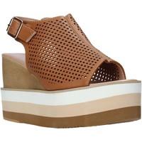 Παπούτσια Γυναίκα Σανδάλια / Πέδιλα Onyx S20-SOX757 καφέ