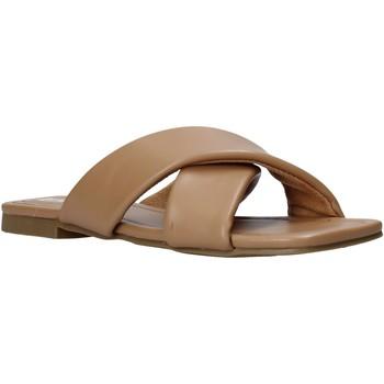 Παπούτσια Γυναίκα Τσόκαρα Gold&gold A21 GY221 καφέ