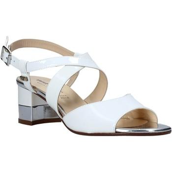 Παπούτσια Γυναίκα Σανδάλια / Πέδιλα Valleverde 38412 λευκό