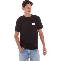 Υφασμάτινα Άνδρας T-shirt με κοντά μανίκια Calvin Klein Jeans K10K107281 Μαύρος