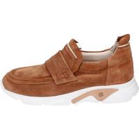Παπούτσια Άνδρας Slip on Moma BH796 καφέ