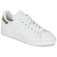 Παπούτσια Γυναίκα Χαμηλά Sneakers adidas Originals STAN SMITH άσπρο