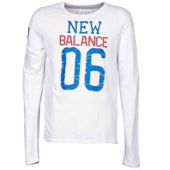 Υφασμάτινα Άνδρας Μπλουζάκια με μακριά μανίκια New Balance NBSS1404 GRAPHIC LONG SLEEVE TEE άσπρο