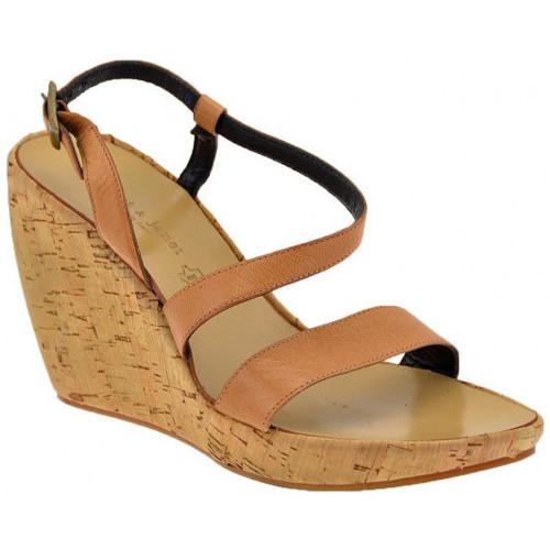 Παπούτσια Γυναίκα Σανδάλια / Πέδιλα Janet&Janet  Beige