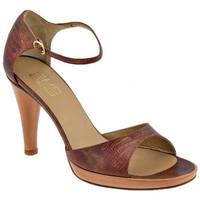 Παπούτσια Γυναίκα Σανδάλια / Πέδιλα Strategia  Multicolour