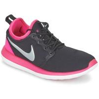 Παπούτσια Κορίτσι Χαμηλά Sneakers Nike ROSHE TWO JUNIOR Black / ροζ
