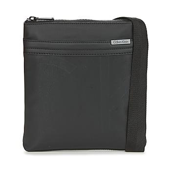 Τσάντες Άνδρας Pouch / Clutch Calvin Klein Jeans GREGORY FLAT CROSSOVER Black