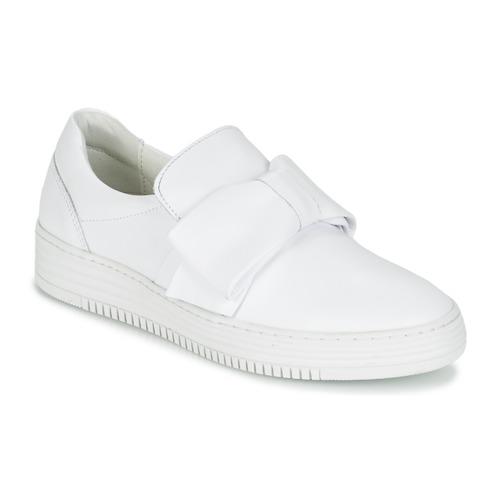 Παπούτσια Γυναίκα Slip on Bullboxer QUIDAVET άσπρο