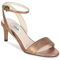 Παπούτσια Γυναίκα Σανδάλια / Πέδιλα Clarks AMALI JEWEL Gold