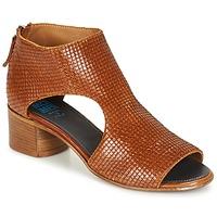 Παπούτσια Γυναίκα Σανδάλια / Πέδιλα Moma JOBADA Brown