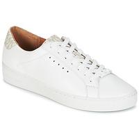 Παπούτσια Γυναίκα Χαμηλά Sneakers MICHAEL Michael Kors IRVING LACE UP Άσπρο