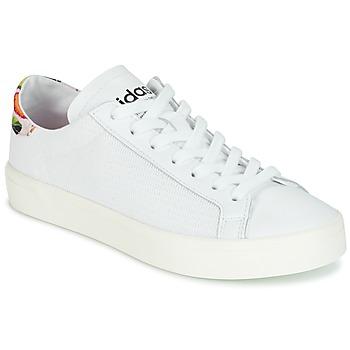 Παπούτσια Γυναίκα Χαμηλά Sneakers adidas Originals Court Vantage Άσπρο / Fleurs