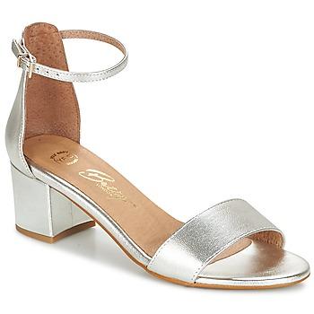 Παπούτσια Γυναίκα Σανδάλια / Πέδιλα Betty London INNAMATA Silver