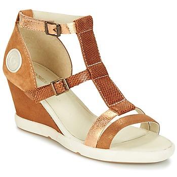 Παπούτσια Γυναίκα Σανδάλια / Πέδιλα Pataugas WAMI-F2B Camel