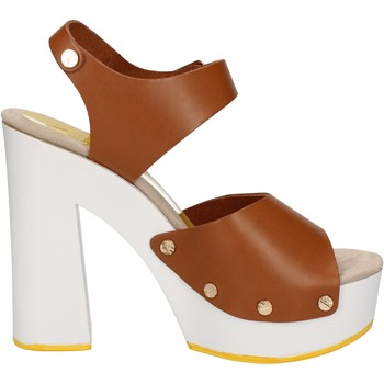 Παπούτσια Γυναίκα Σανδάλια / Πέδιλα Suky Brand AC483 καφέ