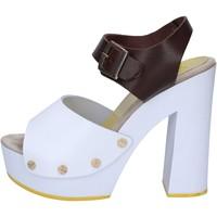 Παπούτσια Γυναίκα Σανδάλια / Πέδιλα Suky Brand AC486 καφέ