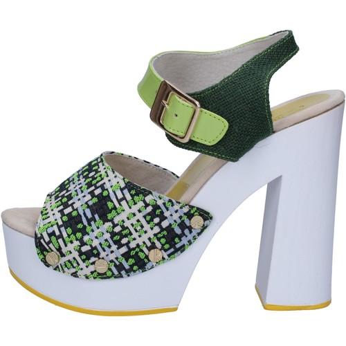 Παπούτσια Γυναίκα Σανδάλια / Πέδιλα Suky Brand Σανδάλια AC489 πράσινος