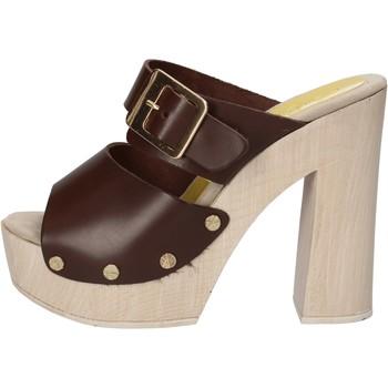 Παπούτσια Γυναίκα Σανδάλια / Πέδιλα Suky Brand AC764 καφέ