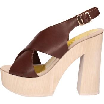 Παπούτσια Γυναίκα Σανδάλια / Πέδιλα Suky Brand AC799 καφέ