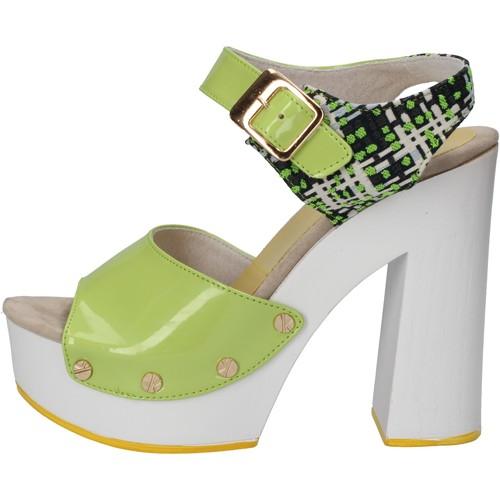 Παπούτσια Γυναίκα Σανδάλια / Πέδιλα Suky Brand Σανδάλια AC811 πράσινος