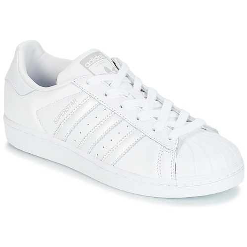 Παπούτσια Γυναίκα Χαμηλά Sneakers adidas Originals SUPERSTAR W Άσπρο / Silver