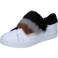 Παπούτσια Γυναίκα Sneakers Islo sneakers bianco pelle pelliccia BZ211 Bianco