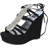 Παπούτσια Γυναίκα Σανδάλια / Πέδιλα Islo sandali nero camoscio BZ328 Nero