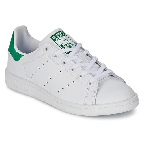 Παπούτσια Παιδί Χαμηλά Sneakers adidas Originals STAN SMITH J Άσπρο / Green