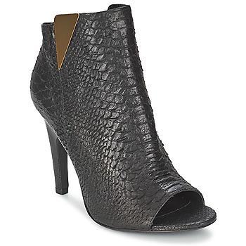 Παπούτσια Γυναίκα Μποτίνια Vic CARVI Black