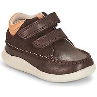 Παπούτσια Αγόρι Ψηλά Sneakers Clarks Cloud Tuktu Καφέ / Combi / Lea