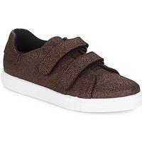 Παπούτσια Γυναίκα Χαμηλά Sneakers André ECLAT Bronze