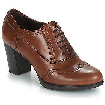 Παπούτσια Γυναίκα Γόβες André CAPITAINE Brown