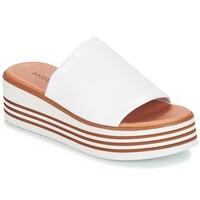 Παπούτσια Γυναίκα Σανδάλια / Πέδιλα André LARRY Άσπρο