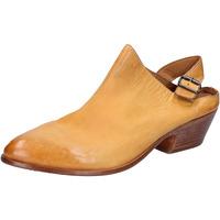 Παπούτσια Γυναίκα Σανδάλια / Πέδιλα Moma Σανδάλια BX975 Κίτρινος